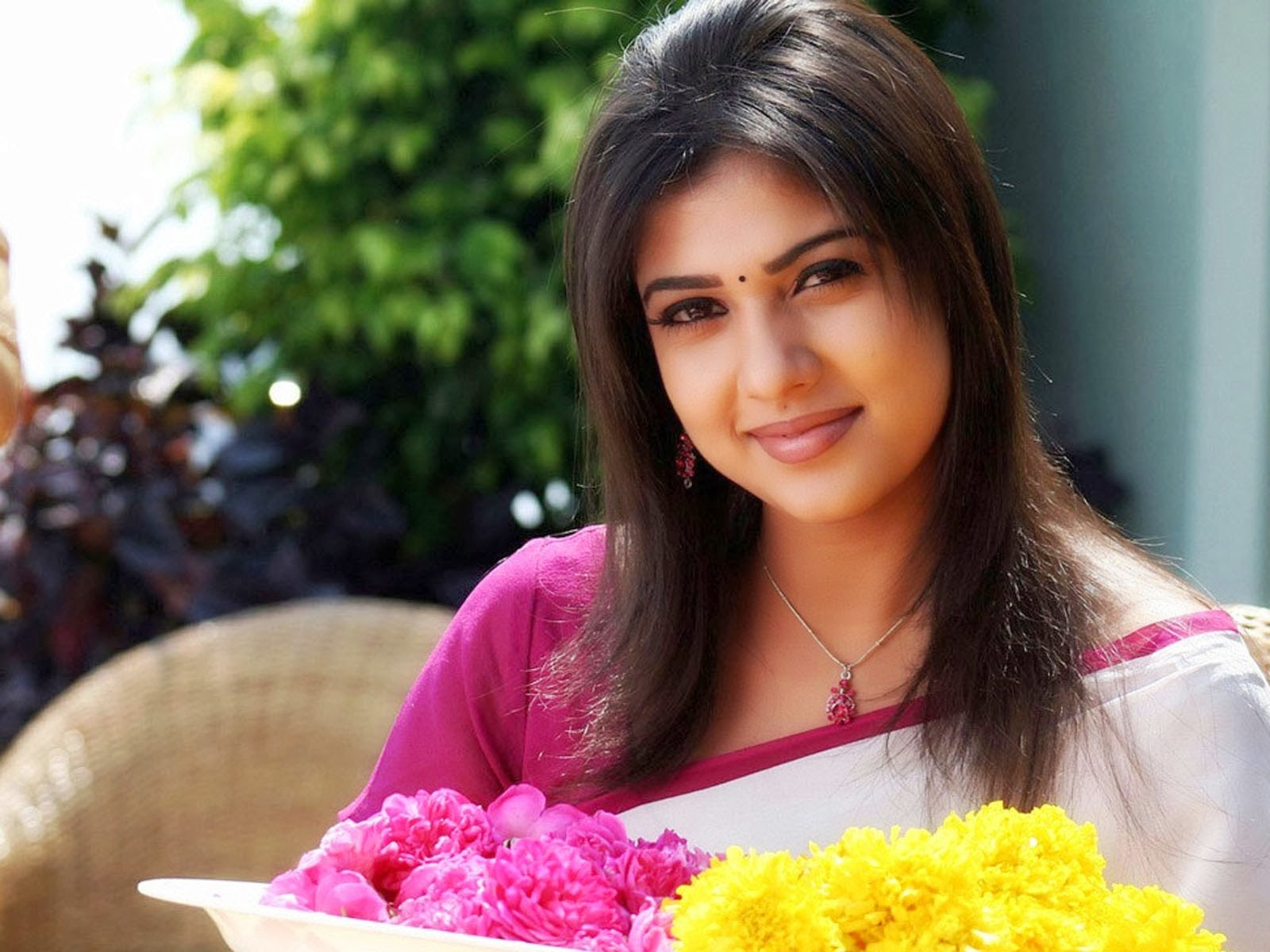 Nayanthara Hd Images 25 Cute Pictures: Nayanthara Wallpapers High Resolution And Quality Download