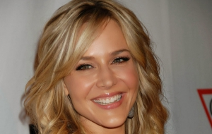 Julie Benz Background