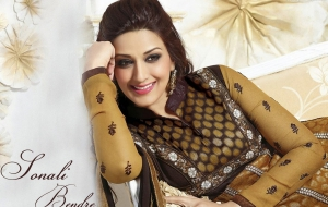 Sonali Bendre HD Background