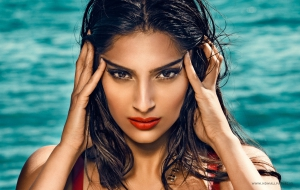 Sonam Kapoor HD Background