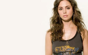 Eliza Dushku HD Background