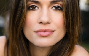 Torrey DeVitto HD Background