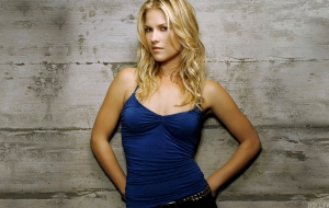 Ali Larter HD Background
