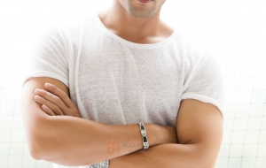 Ruslaan Mumtaz for desktop