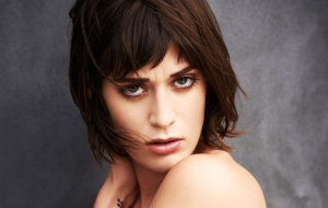 Lizzy Caplan for desktop