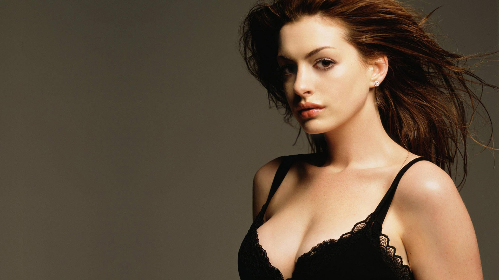 Anne Hathaway Wallpapers High Resolution And Quality Download