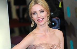 Annabelle Wallis HD