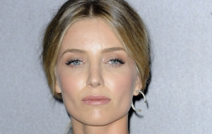 Annabelle Wallis Wallpapers