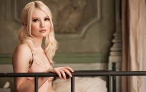 Emily Browning full HD