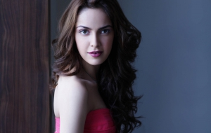 Shazahn Padamsee Wallpaper