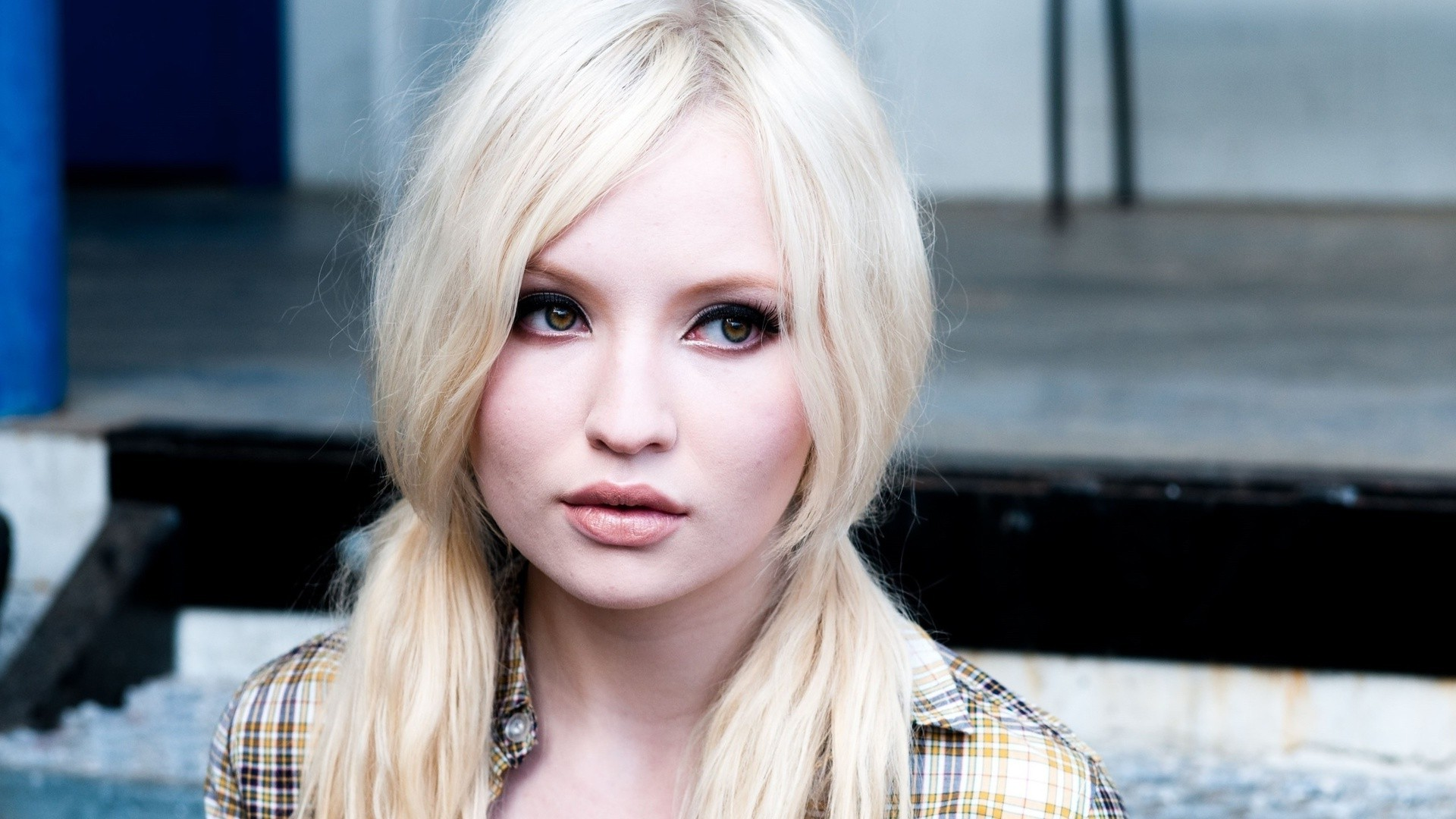 Emily Browning Wallpapers High Resolution And Quality Download