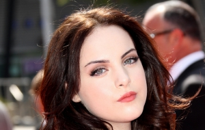 Elizabeth Gillies Pictures