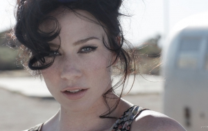 Lynn Collins Pictures