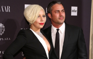 Taylor Kinney Pictures