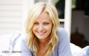 Malin Akerman Widescreen