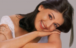 Sonali Bendre High Definition Wallpapers