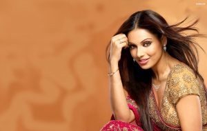 Bipasha Basu High Definition Wallpapers