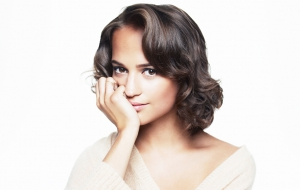 Alicia Vikander High Definition