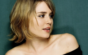 Alison Lohman Photos