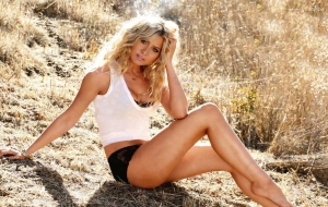 Alyson Michalka Photos