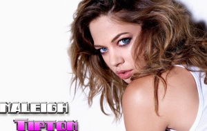 Analeigh Tipton Widescreen