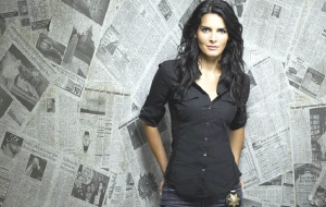 Angie Harmon Widescreen
