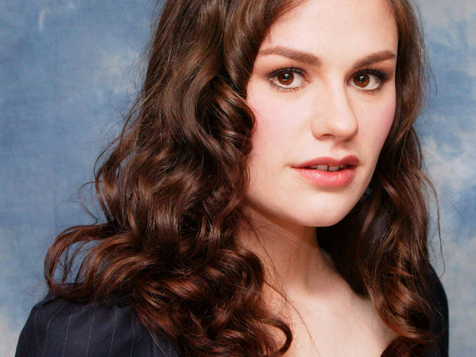Anna Paquin Wallpapers High Resolution and Quality Download Anna Paquin