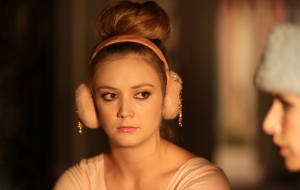 Billie Lourd HD Wallpaper