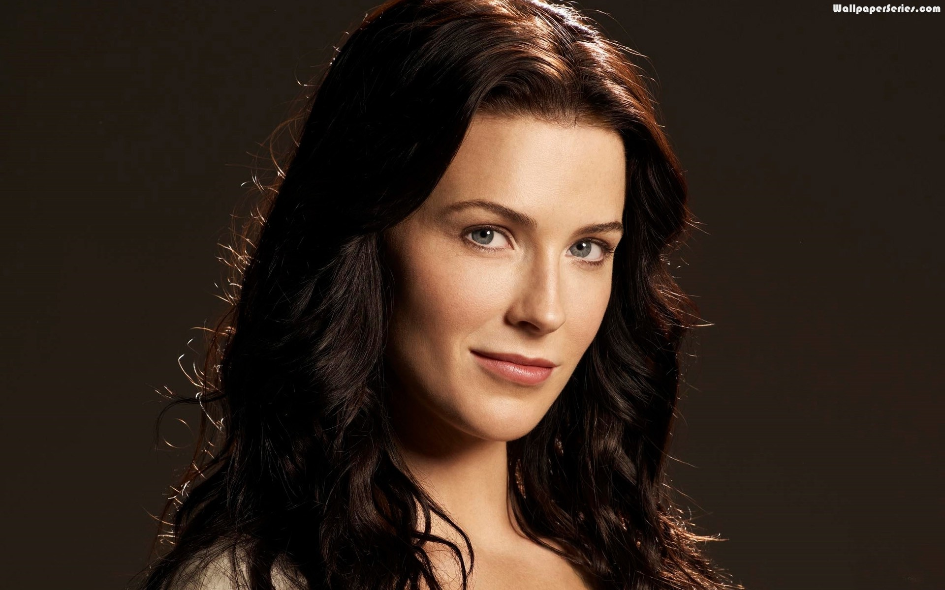 Bridget Regan High Pictures 22