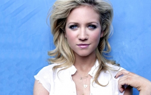 Brittany Snow Wallpaper