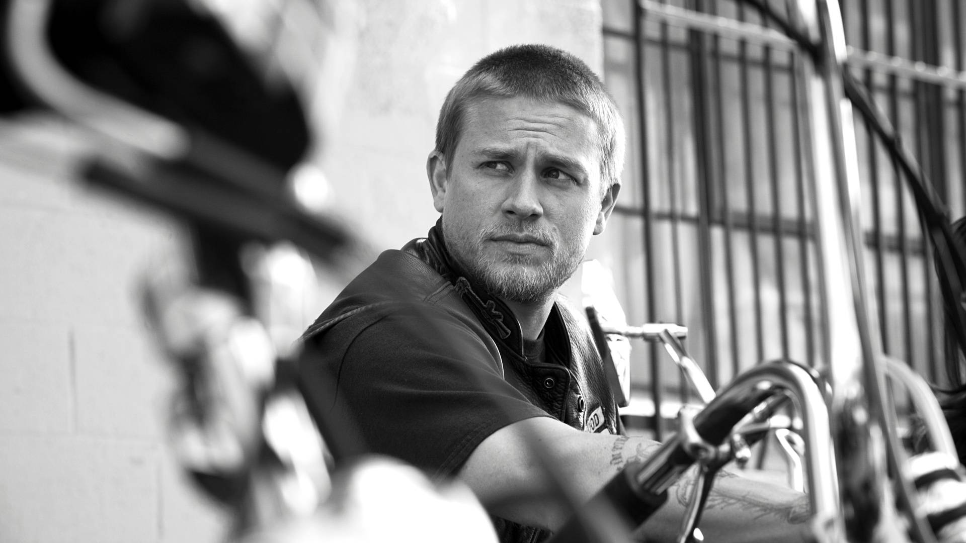 Charlie Hunnam Wallpapers High Resolution And Quality Download