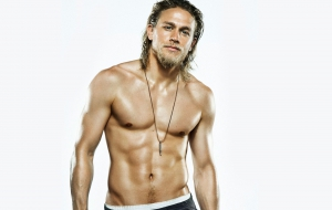 Charlie Hunnam HD Background