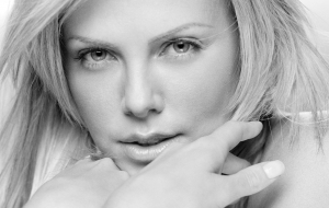 Charlize Theron HD Desktop