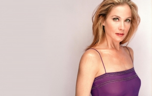 Christina Applegate HD Desktop