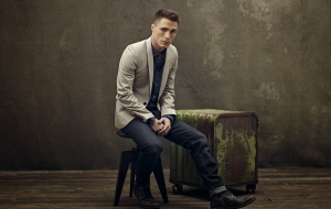 Colton Haynes Wallpaper
