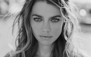 Denise Richards Full HD