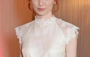 Eleanor Tomlinson HD Wallpaper