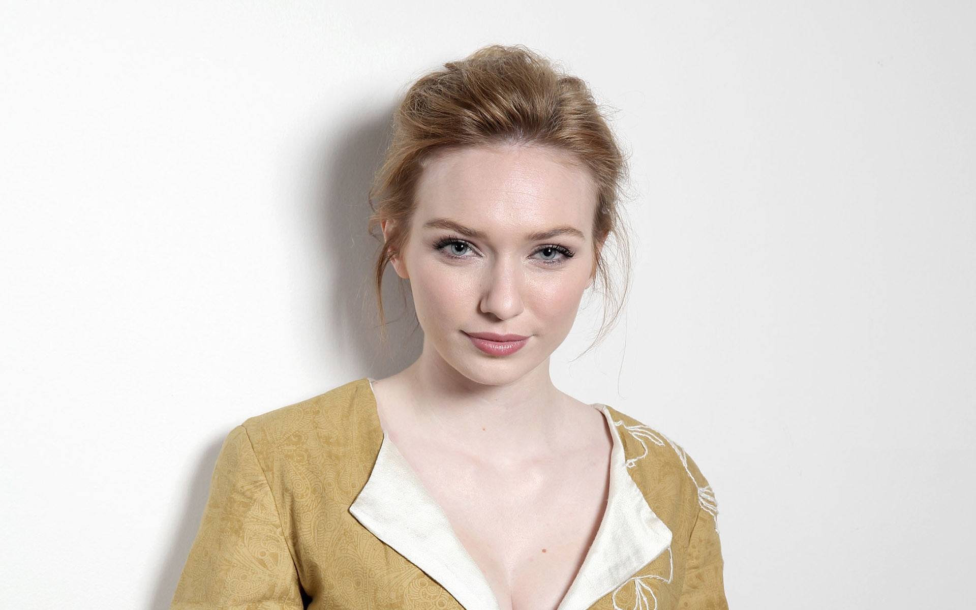 eleanor tomlinson photoshoot
