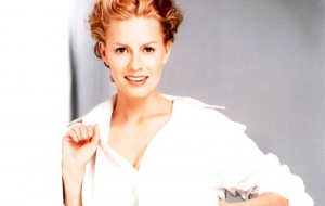 Elisabeth Shue Background