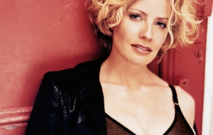 Elisabeth Shue Photos