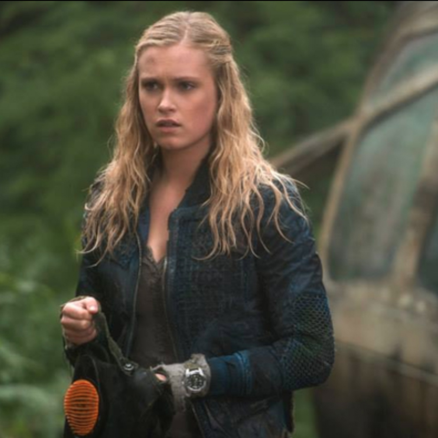 Eliza taylor from the 100 4