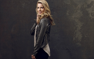 Emily Bett Rickards HD