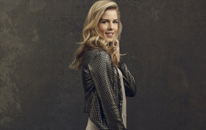 Emily Bett Rickards Photos