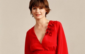 Emily Mortimer Background