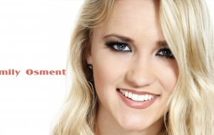 Emily Osment Full HD