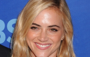 Emily Wickersham Computer Wallpaper