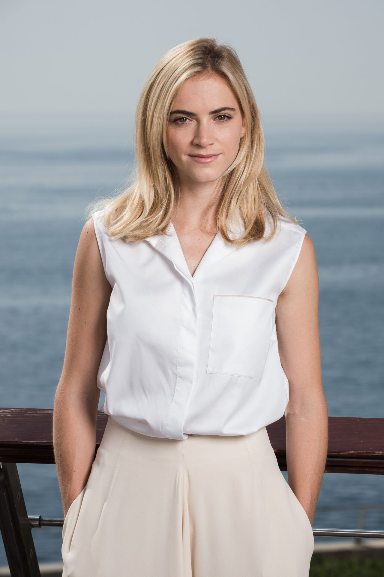 Emily wickersham wallpapers high resolution and quality - Emily wickersham gardener of eden ...