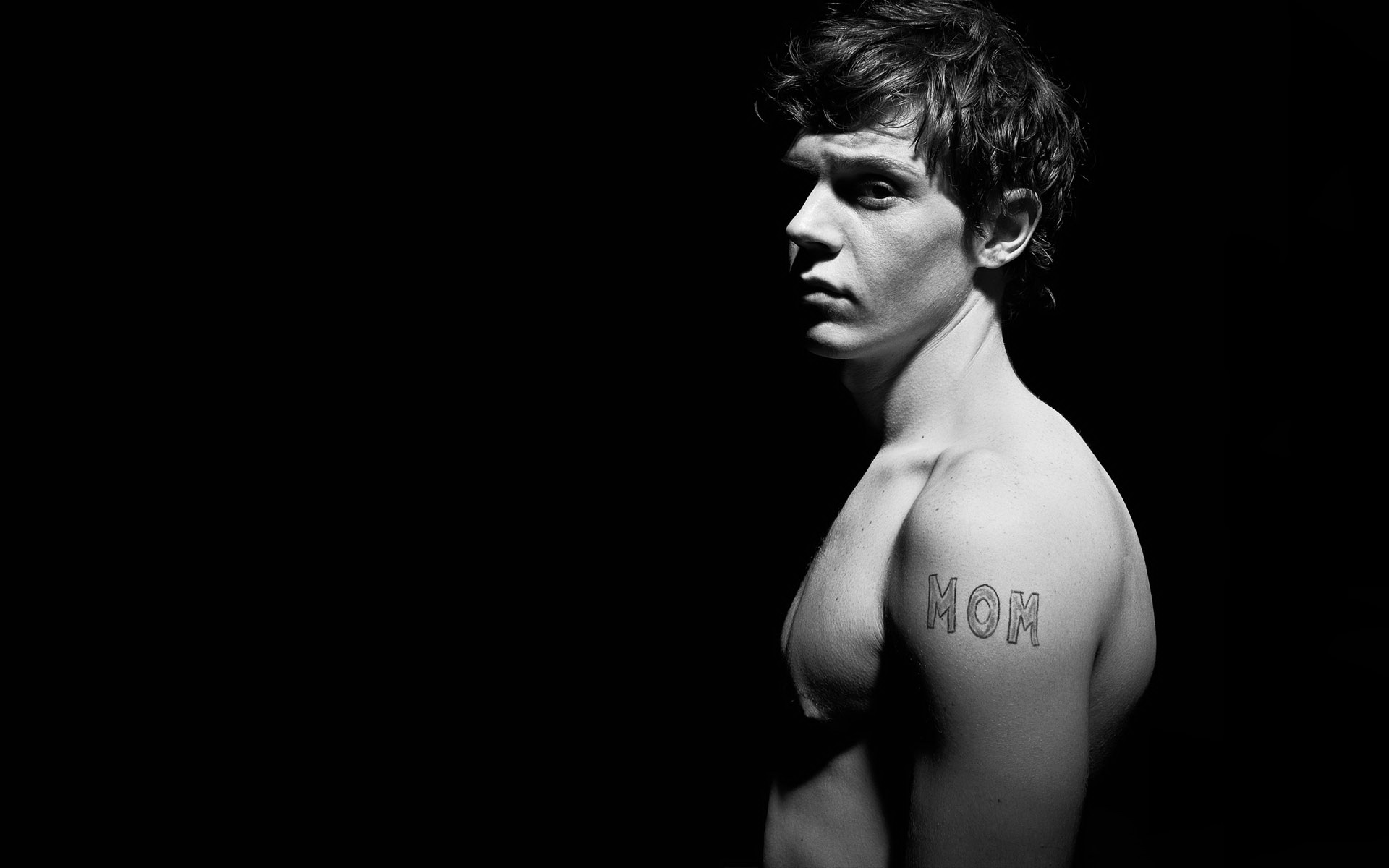 Evan Peters Wallpapers High Resolution and Quality Download