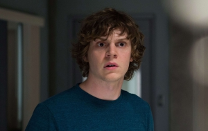 Evan Peters Full HD