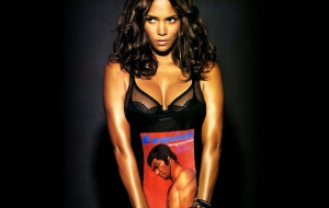 Halle Berry HD Background